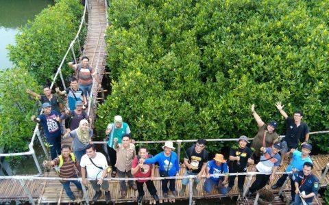 IKAMaT Dampingi Kunjungan-Lapangan Coral Triangle Center ke Maroon MEP