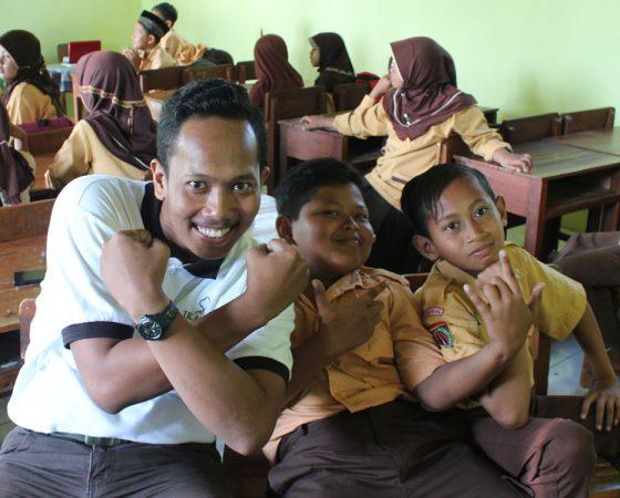 IKAMaT Luncurkan Program Beasiswa Anak Pesisir Indonesia