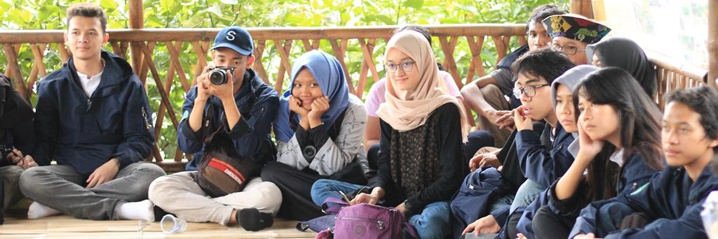 Terima Kunjungan Ekskursi Mahasiswa ITB, IKAMaT Kenalkan Produk Mangrove KeSEMaT